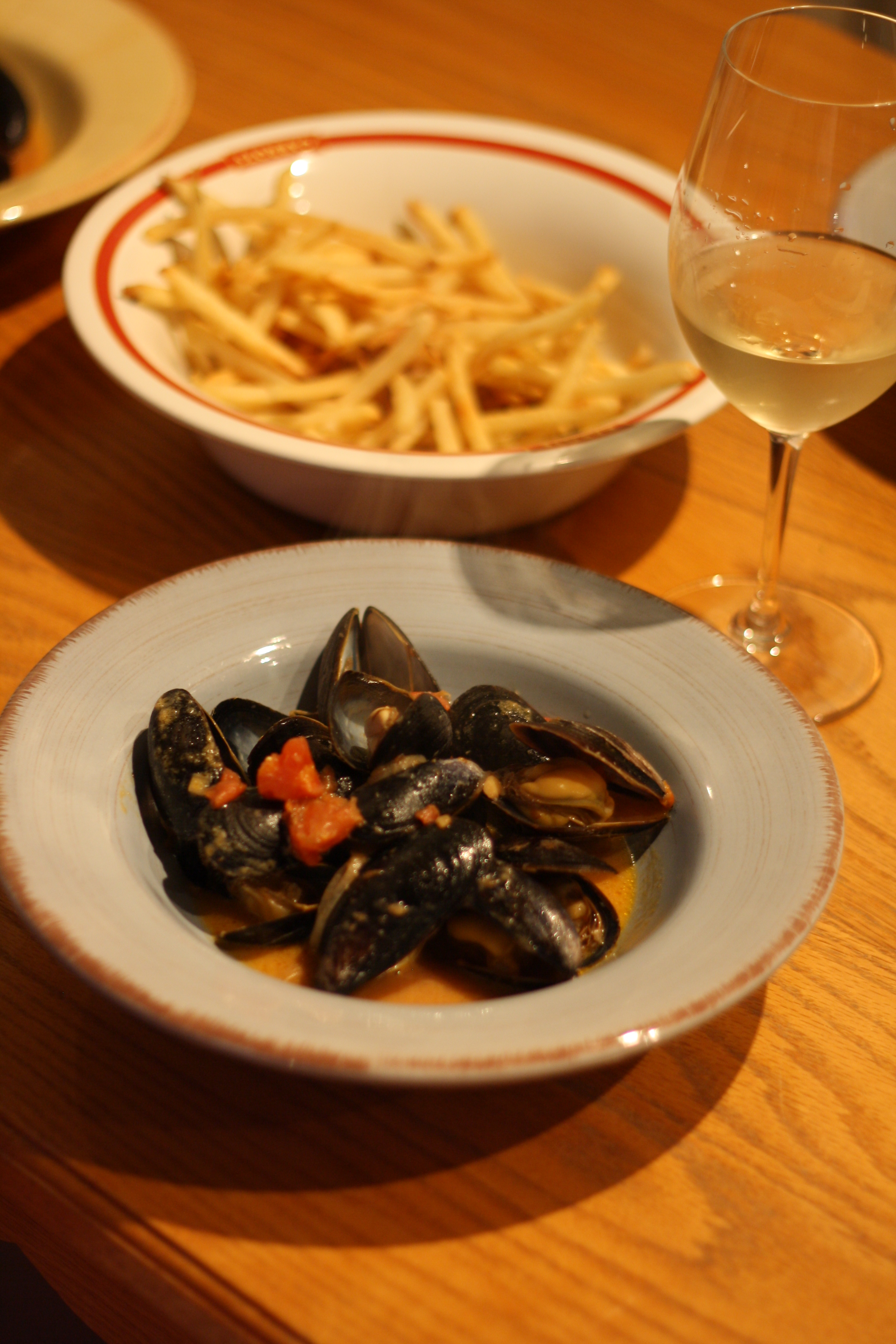 Mussels with Thai red curry | Tartine & Maple Cuisine